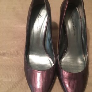 Kenneth Cole pump shoes